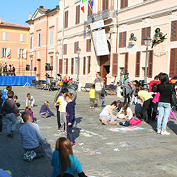 Let's paint the square! - Comune di Pieve di Cento