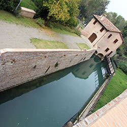 The Casa dei Ghiacci and the Reno canal - Casalecchio